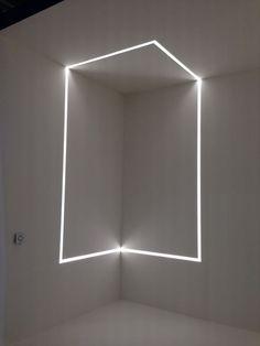 Running Magnet light Installation / Flos /