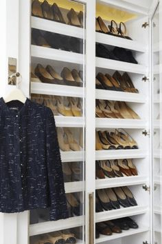 5 Must Dos For Keeping A Tidy Closet - Blue Door Living