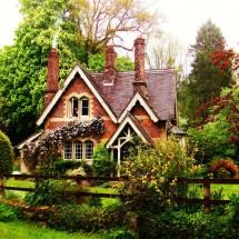 My definition of a country cottage. I would love to live in a house like this.
