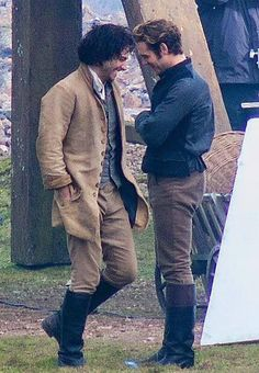 Thanks to Power of Poldark who just tweeted this fab photo of Aidan and Luke Norris during filming taken by (I think coz they didn't make it clear) Kathryn Osborne. Also not sure if it's from today's shoot or some other day but I think it is, as I've not seen Aidan wearing that outfit at any of the other location shoots. - Aidan Turner FB page