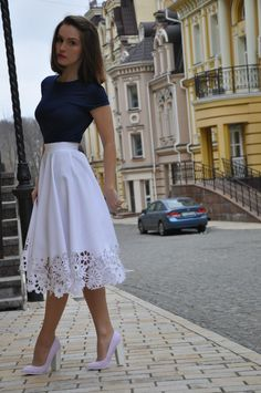 Skirt Outfits Modest Ladies Skirts – Whats the Best For You? Ladies skirts are a stylish, feminine and versatile pieces of clothing. In the summer they are comfortable and cool and in the win… Mode Outfits, Casual Outfits, Fashion Outfits, Fashion Tips, Womens Fashion, Fashion Ideas, Jw Fashion, Casual Skirts, Fashion Quotes
