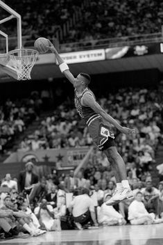 The Most Epic NBA Dunk Contest Photos Ever Taken #NBA