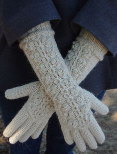 Winterberry Gloves & Beret Set by ms.cleaver, via Flickr