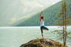 10 postures de yoga et leurs bénéfices