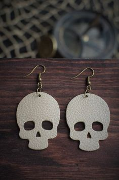 Earrings Handmade Skull Leather Earrings - Gold - Light weight genuine leather skull earrings that make a statement without weighing you down. - Dimensions: 1 x 1 - Bronzed, nickel-free ear wire Bar Stud Earrings, Skull Earrings, Diy Earrings, Crystal Earrings, Sterling Silver Earrings, Earrings Handmade, Gold Earrings, Handmade Jewelry, Cartilage Earrings