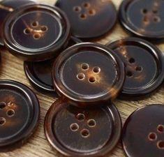 "Lot 50 40L 25mm 1/"" Grey Smoke Natural Japan Real Pearl Shell Button Sewing Coat"