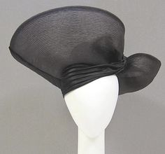 Asymmetrical black turban inspired hat Designer: Stephen Jones (British, born Date: ca. 2000 Culture: British Medium: horsehair, silk Dimensions: Length (at longest point): 19 in. Headdress, Headpiece, Stephen Jones, Fancy Hats, Love Hat, Horse Hair, Headgear, Unique Fashion, Beauty