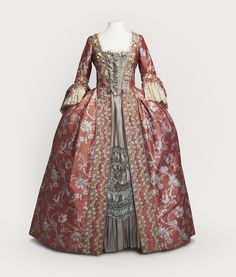 Costume designed by James Acheson for Mildred Natwick in Dangerous Liaisons (1988).
