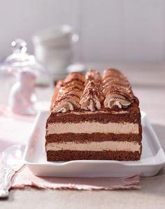 Schoko-Nougat-Schnitten - Torte im Streifenlook mit Nougat-Creme und Schokoladenkuchen