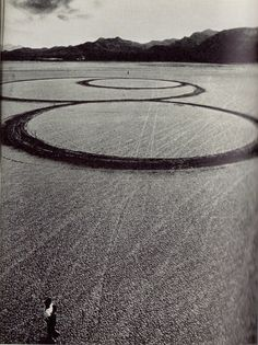 on something, experiments-in-contemporary-art: Michael Heizer