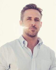 awesome 20 Hot Ryan Gosling Haircuts - Rocking The Retro LookYou can find Ryan gosling and more on our website.awesome 20 Hot Ryan Gosling Haircuts - Rocking The Retro Look Ryan Gosling Frisur, Ryan Gosling Haircut, Christina Aguilera, Pretty People, Beautiful People, Fotografia Tutorial, Xavier Dolan, Tilda Swinton, Short Hairstyles