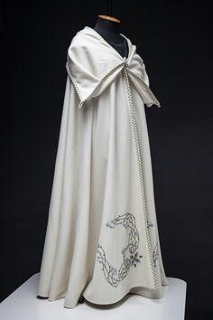 """""""Fairy Tale"""" Ivory Wool Cloak"""