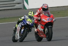 On 10 June 2007, the Barcelona track hosted one of the best duels in MotoGP. Casey Stoner and Valentino Rossi overtook each other repeatedly and in the end the Australian's Ducati won. There's no Ducati without Brembo brakes.