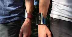 The Rufus Cuff claims to be a step above the smartwatch because it offers users a connected experience similar to one they would get on a smartphone. Futuristic Technology, Cool Technology, Wearable Technology, Geek Gadgets, Electronics Gadgets, Smart Textiles, Geek Tech, Tech Toys, Smart Watch