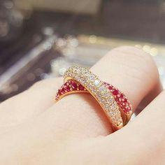 Zaara shaikh*😍😘 Real Gold Jewelry, Ruby Jewelry, Simple Jewelry, Bridal Jewelry, Diamond Jewelry, Jewellery, Fashion Rings, Fashion Jewelry, Gold Finger Rings