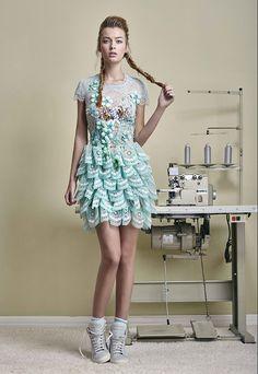 Transgressive Vision е заглавието на pret-a-porter колекцията за Пролет Лято 2016 от ALFREDO VILLALBA.   Fashionsense