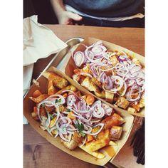 Frittenwerk - Die Pommesmanufaktur. pulled pork poutine. fresh food fast. imbiss. pommes. fritten. lecker. hausgemacht. homemade with love. vintage interior. düsseldorf germany