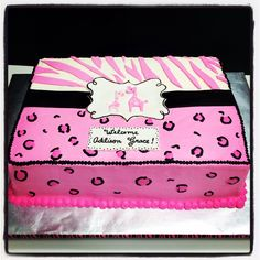 Giraffe baby shower cake with pink leopard and zebra Baby Shower Giraffe, Baby Shower Cakes, Leopard Print Baby, Pink Leopard, Leopard Baby Showers, Animal Print Party, Baby Shower Princess, Pink Parties, Baby Prints