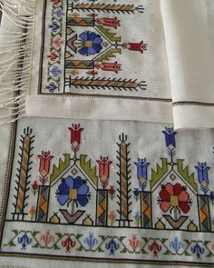Photo by mrym lgn on February Fotoğraf açıklaması yok. Christmas Embroidery Patterns, Embroidery Patterns Free, Cross Stitch Art, Cross Stitch Samplers, Pattern Design, Free Pattern, Diy And Crafts, Arts And Crafts, Hardanger Embroidery