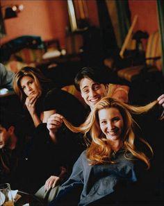 Friends - Behind the Scenes: Jennifer Aniston, Matt LeBlanc & Lisa Kudrow - Site Title Friends Tv Show, Serie Friends, Joey Friends, Friends Episodes, Friends Cast, Friends Season, Friends Behind The Scenes, Friends Scenes, Friends Moments