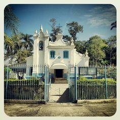 igreja histórica na Ilha do Governador by Claudio Tebaldi, via Flickr