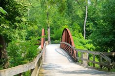 The Ohio and Erie Canal Towpath Trail runs close to downtown Peninsula, making Peninsula a popular stop for many bikers and hikers