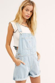Slide View Levi's Vintage Shortalls Short Outfits, Trendy Outfits, Cool Outfits, Fashion Outfits, Trendy Clothing, Fashion Styles, Summer Outfits, Overall Shorts Outfit, Cute Overall Outfits