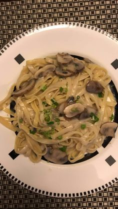 Images of Food. Vegetarian Recipes, Cooking Recipes, Healthy Recipes, Snap Food, Aesthetic Food, Mushroom Sauce, Cravings, Food Porn, Food And Drink