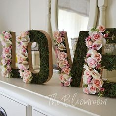 LOVE flower letters / Bridal shower / Pink rose / Banners and signs / Flower letters / Shabby chic / Floral letters / Engagement sign / Moss