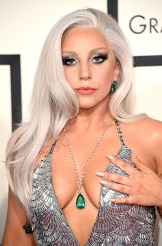 SK Lohani Lady Gaga is a american singer and belong America.in this post we see love affair of christian carino and lady gaga Grey Hair Celebrities, Beautiful Celebrities, Beautiful People, Beautiful Women, Celebs, Lady Gaga Pictures, Star Beauty, Celebrity Beauty, Celebrity Nails