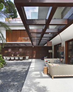 Itiquira House, Rio de Janeiro, redesigned by architect Gisele Taranto.