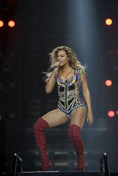 Beyonce sizzles in beaded leotard and thigh high stiletto boots Blue Ivy Carter, Jay Z, Mrs Carter Tour, Beyonce Performance, Stiletto Boots, Beyonce Knowles, Queen B, Cara Delevingne, Celebs