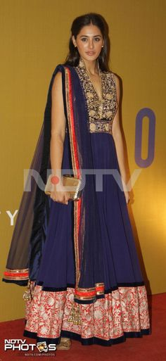 Nargis Fakhri has seldom failed with her fashion choices. Even this time she impressed us in a blue Manish Malhotra anarkali at a fundraiser event hosted by Rahul Bose's NGO, The Foundation in Mumbai.