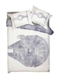 Get caught up on your galaxyzzzs // Star Wars Millennium Falcon Full-Queen Comforter Shams Set