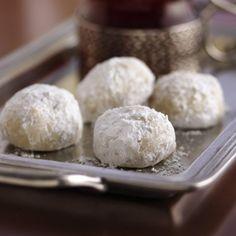 Amaretto Russian Tea Cakes with Almonds
