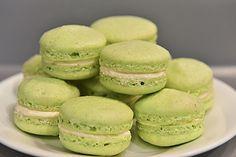 Macarons, ein gutes Rezept aus der Kategorie Kekse & Plätzchen. Bewertungen: 58. Durchschnitt: Ø 4,5.