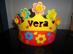 Verjaardagskroon met bloemen