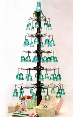 Over 30 creative ideas with vintage glass insulators # decoration .- Over 30 creative ideas with vintage glass insulators # decorationideas - Noel Christmas, Vintage Christmas, Christmas Crafts, Christmas Decorations, Christmas Ornaments, Holiday Decor, Insulator Lights, Glass Insulators, Electric Insulators