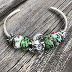 Redbalifrog Christmas '19 – marthnickbeads Pine Cone Decorations, Little Christmas Trees, Christmas Pudding, Moustache, Christmas Traditions, Bangles, Beads, My Favorite Things, Jewelry