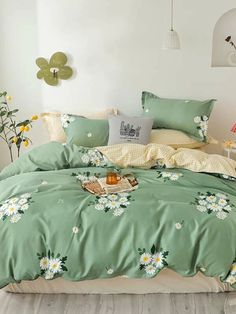Shop SHEIN soft and stylish bedding sets and create the ultimate retreat. Our collections include duvet covers, summer quilts, bed sheets more. Dream Bedroom, Home Bedroom, Bedroom Decor, Bedroom Ideas, Decorate My Room, Stylish Beds, Small Room Design, Girl Bedroom Designs, Queen Bedding Sets