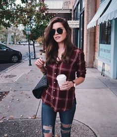 55 Cute Casual Shirt Ideas For Teen Girls You could roll your sleeves to produce the outfit feel merely a little more casual, as opposed to stuffy. Casual Fall Outfits, Classy Outfits, Chic Outfits, Trendy Outfits, Girl Outfits, Summer Outfits, Fashion Outfits, Casual Shirt, Flannel Shirt Outfit