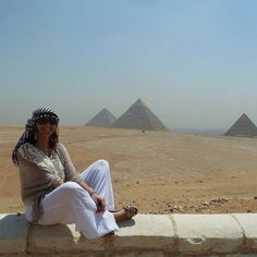 #Cairo 2 day tour from #Luxor; visit Cairo from Luxor, enjoy the amazing pyramids & Sphinx tour in Giza and see the prestigious Egyptian museum which has lots of the wonderful artifacts. enjoy #Old_Cairo tour to see the splendid #Hanging_church and then proceed to see Islamic Cairo with its marvelous mosques and Khan EL Khalili market, Cairo Excursion http://touregyptclub.com/travel/egypt-excursions/cairo-excursion-day-tours/luxor-cairo-tour