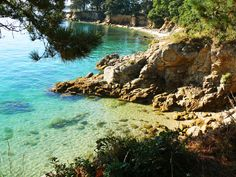8 Undiscovered Beaches in France - Samboat Places Around The World, Around The Worlds, Beautiful World, Beautiful Places, Photo Bretagne, French Beach, Region Bretagne, Holiday Places, Holiday Destinations