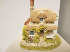 1989 Lilliput Lane England Sculpture Circular Cottage Retired Deeds Orgbox | eBay
