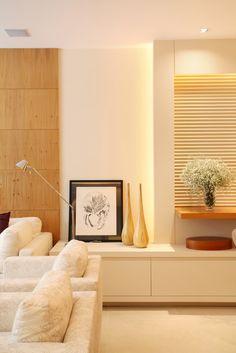 Apartamento Barão da Torre / Paula Neder #living #lighting #wall #detail