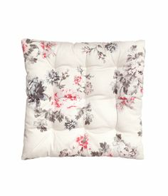 H&M Home offers a large selection of top quality interior design and decorations. Find the right accessories for your home online or in-store. Home Interior Design, Bed Pillows, Decor, Cushions, Home Accessories, Seat Cushions, Home, Decor Interior Design, Floor Seating