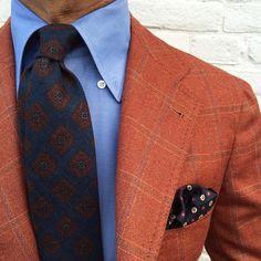 """Closeup of a Viola Milano ""Artisan Pattern Wool - Navy"" tie & handrolled ""Wine Pattern"" silk pocket square... Worn by The master @rickycarlo  As always at…"""