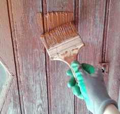 DIY: Swedish ecological paint for wood. No need to ruin yourself in painting! Swedish painting is ecological, economical and easy to do. DIY: Recipe on www. Limpieza Natural, Diy Projects To Try, Diy Party, Painting On Wood, Home Deco, Decoration, Diy Fashion, Diy And Crafts, Bois Diy