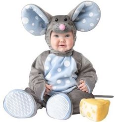 SO CUTE! A little mouse you will happily have in the house. Your baby will look oh-so-sweet in this Infant Lil Mouse Costume. #babies #halloweencostume #halloweenforkids