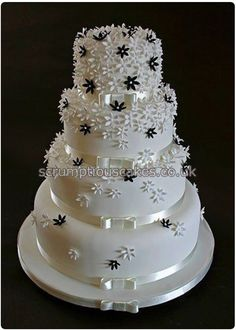 Ideas Flowers Black And White Painting Wedding Cakes Black And White Wedding Cake, White Wedding Cakes, Elegant Wedding Cakes, Wedding Cake Designs, Black White, Floral Wedding, Gorgeous Cakes, Pretty Cakes, Amazing Wedding Cakes